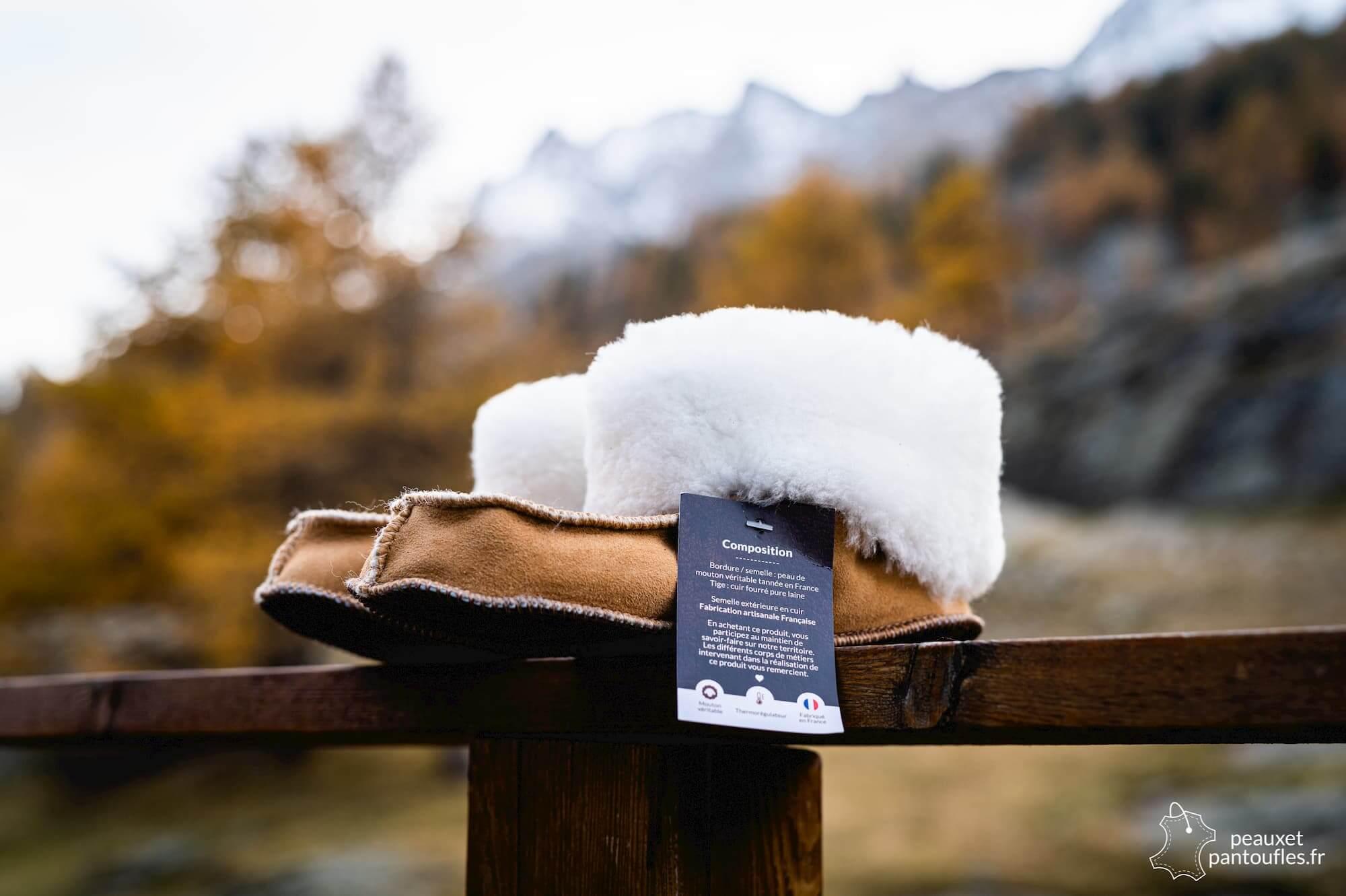 photographie packshot produits chaussons peau de mouton artisanat français peaux et pantoufles Normandie Designatic